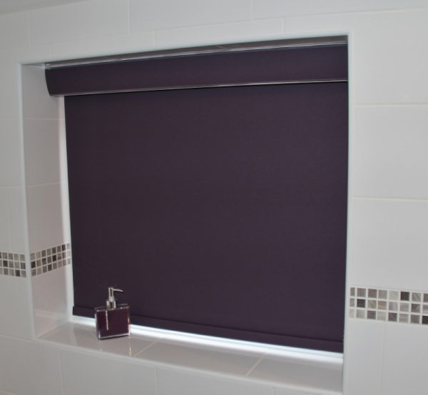 Banlight Mulberry Blackout roller blind