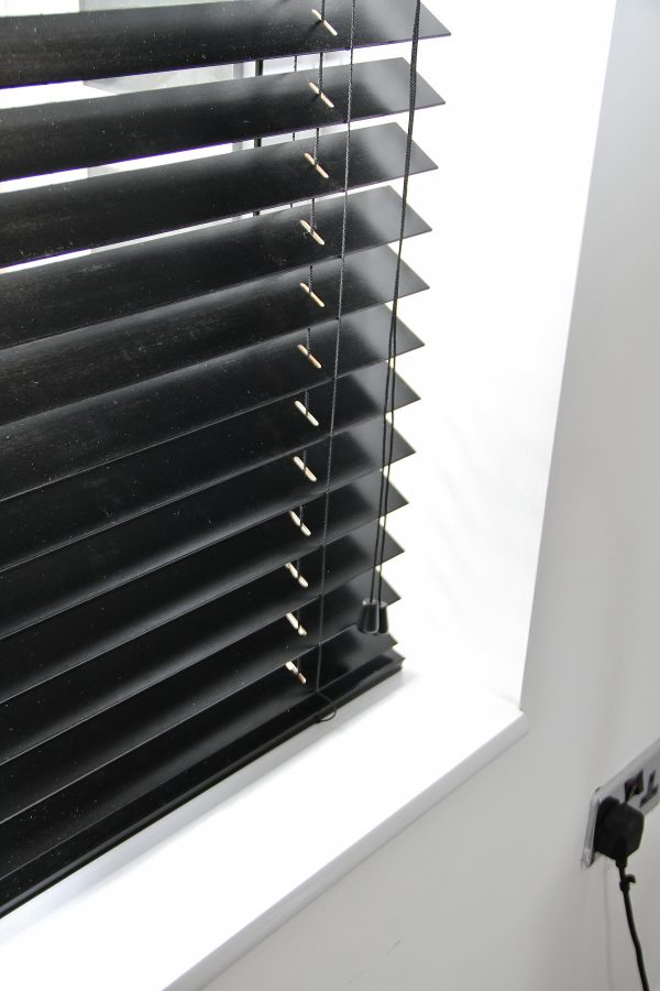 Ebony Wood Venetian Blind With Matching Strings-819