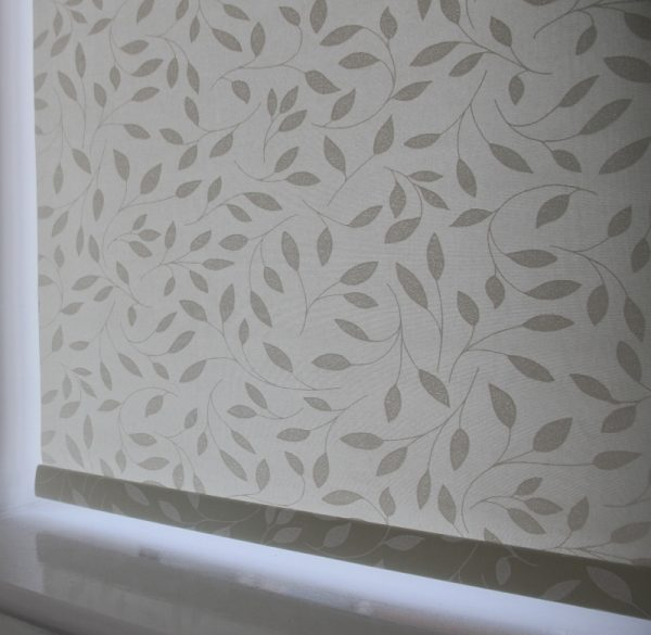 Louvolite Chatsworth Cream Roller Blind With Matching Pelmet-623