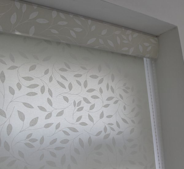Louvolite Chatsworth Cream Roller Blind With Matching Pelmet-624