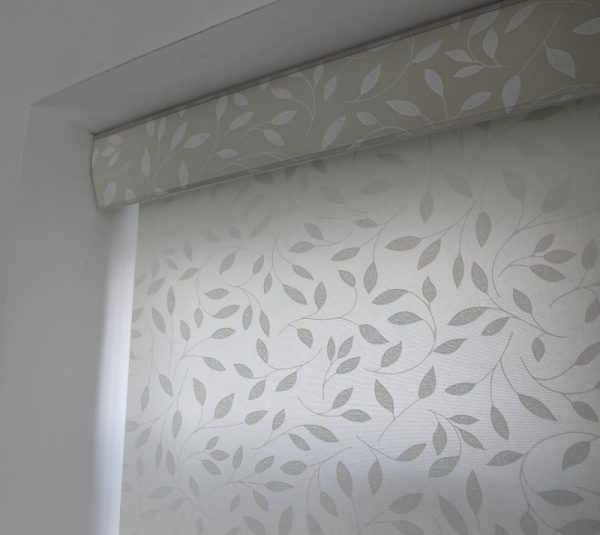 Louvolite Chatsworth Cream Roller Blind With Matching Pelmet-626