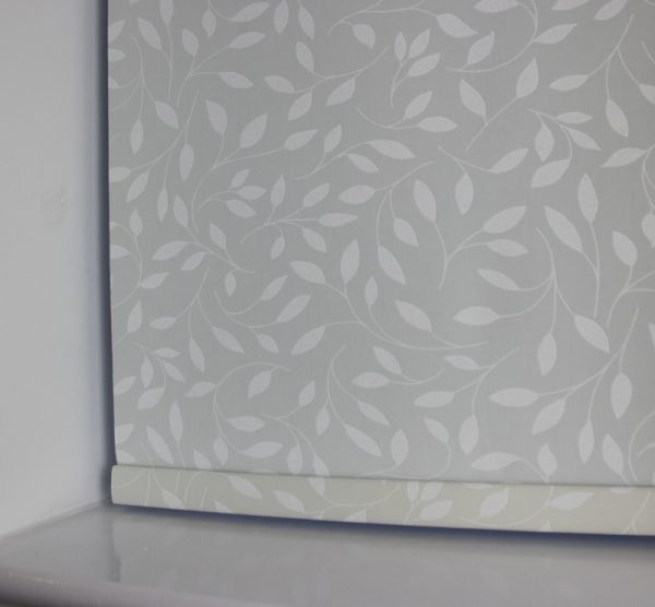Louvolite Chatsworth Cream Roller Blind With Matching Pelmet-622