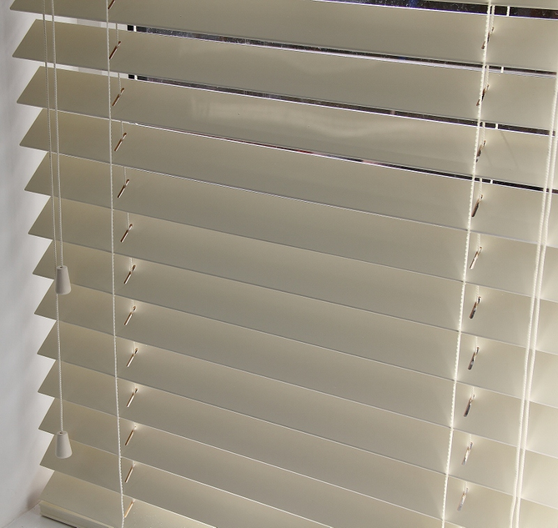 Cream Wood Venetian Blind With Matching Strings