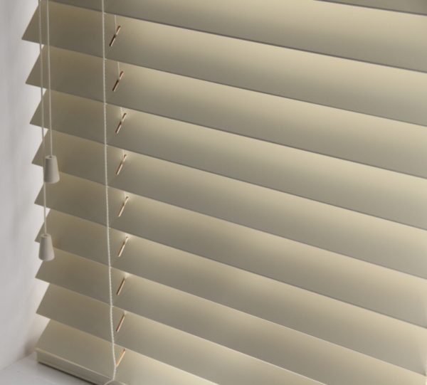 Cream Wood Venetian Blind With Matching Strings.-564