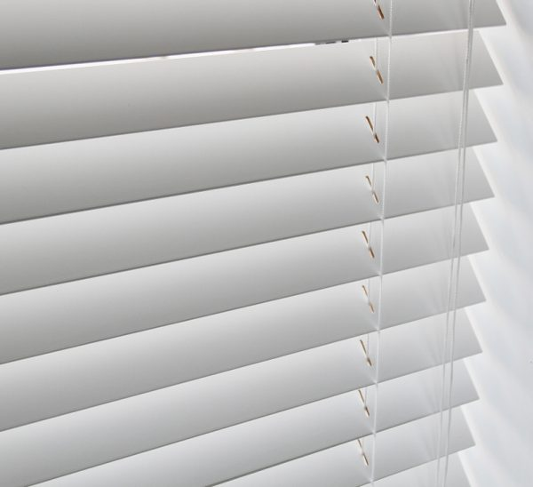 White Wood Venetian Blind With Matching Strings-0