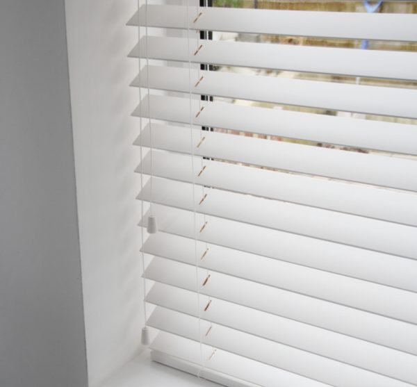 White Wood Venetian Blind With Matching Strings-567