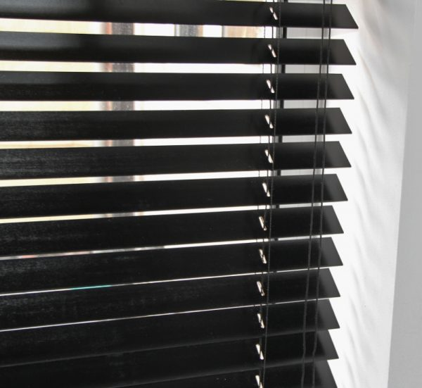 Ebony Wood Venetian Blind With Matching Strings-554