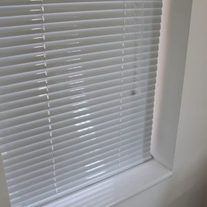 25mm White Aluminium venetian Blind-0