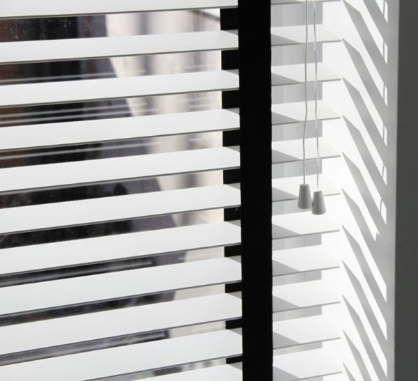 White Wood Venetian Blind With Black Tapes-0