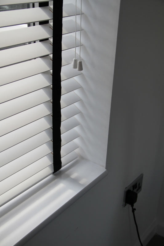 White Wood Venetian Blind With Black Tapes-813