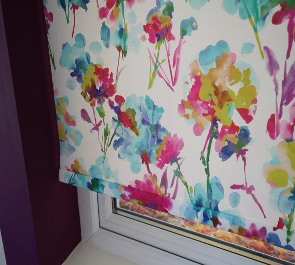 multi coloured blinds