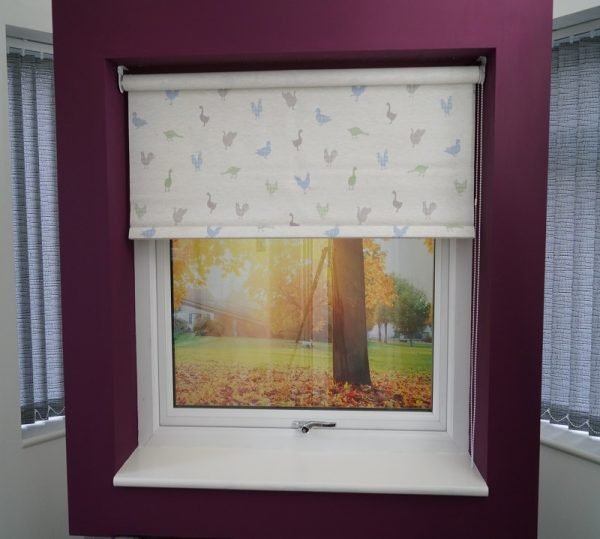 Feathered Friends Bluebell Roller Blind -1110