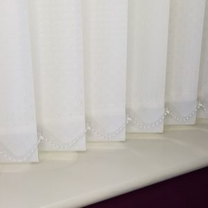 snow white vertical blind